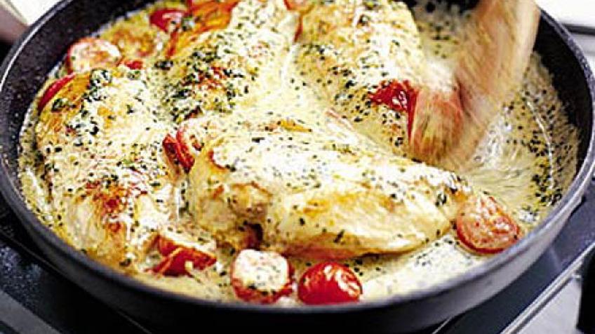 Paradicsomos csirke creme fraiche szószban